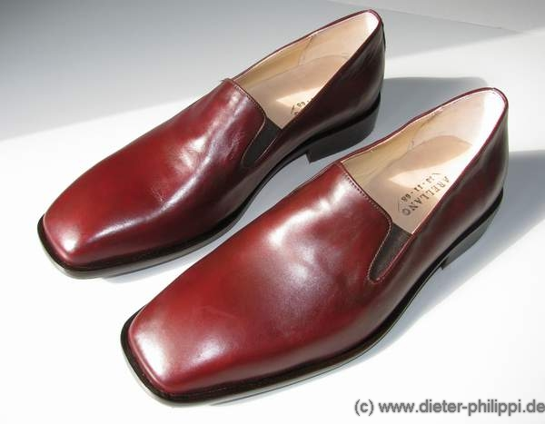 Papal Shoes, Red Shoes Pope, Papst Loafer, rote Schuhe Papst von Antonio Arellano