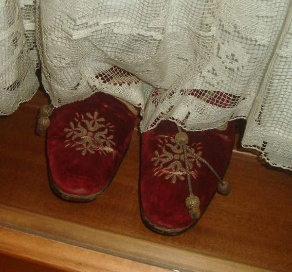 Pantoffel Pius XII, Papal Slippers